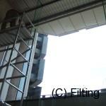 高所の為ローリングタワーにより飛散防止フィルム施工です。